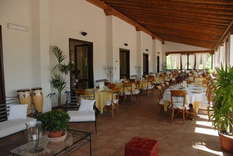 Holiday rentals - AGRITURISMO - SICILIA (CALTANISSETTA - CALTANISSETTA) ~ Agriturism Sicily. At any time is possible to gather and relax at the wide lunch and community room where you will find all kind of comfort
