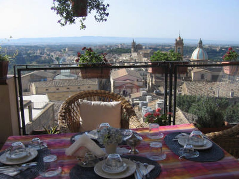 Holiday rentals - BED & BREAKFAST - SICILIA (CALTAGIRONE - CATANIA) ~ breakfast terazza panoramic
